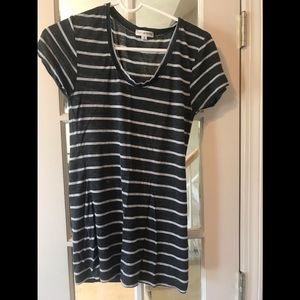 Zenana Outfitters Striped Top - Medium